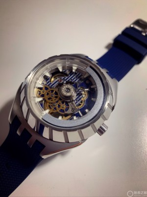 入手swatch SISTEM51 FLYMAGIC
