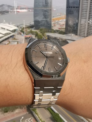 Royal Oak 15500ST 深灰色表盤