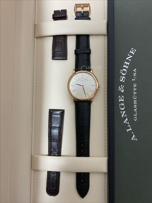 入手朗格SAXONIA THIN 201.033